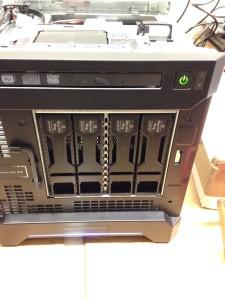 Front Disk Slots of HPE ProLiant Gen8 G1610T